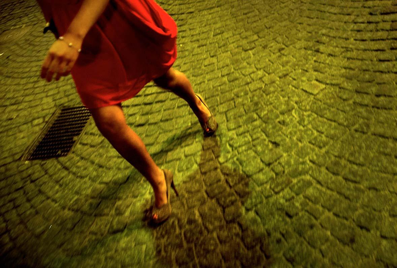 klänning kvinna kvinnoben